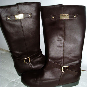 Michael Kors trendy chocolate brown Kors flat boot